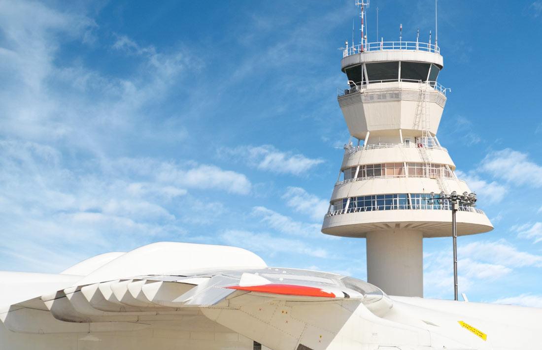 Aeropuerto de vitoria alquiler coches y furgonetas for Alquiler oficina vitoria